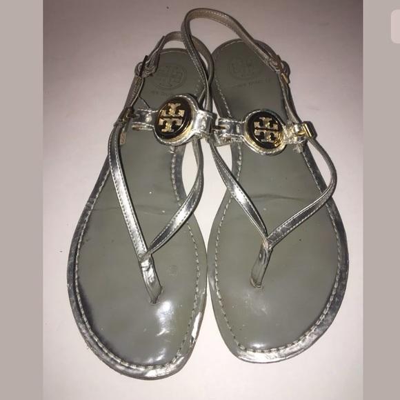 8a2d819c75e1c Tory Burch Ali Thong Sandals SZ 9.5 Silver Leather.  M 5b2441412beb7909c3f08fba